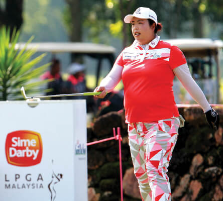 Shanshan Feng edges to narrow lead in Sime Darby