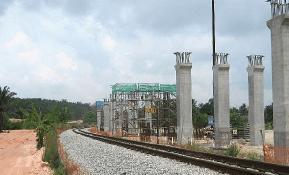 Fajarbaru_rail_14_dew007