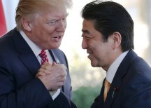 Trump and Japanese PM Shinzo Abe (Image: Bloomberg)
