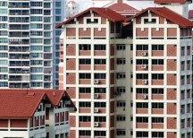 Singapore Interbank Offered Rate (Sibor) to 1.254%, a seven-year high. The Fed also said that it would hike rates another four times in 2016, indicating that housing loans in Singapore would become even more expensive. As it turned out, the Fed managed to raise rates only once last Dec ember, by just 25bps. In response, Sibor, which mirrors the federal funds rate, ticked up to 0.926% from 0.875% in November. On Jan 12, Sibor was 0.967%. The rising volatility in interest rates worries me now that I, too, am