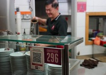 Singtel Dash adopts Singapore Quick Response Code (SG QR). Photo by Singtel.