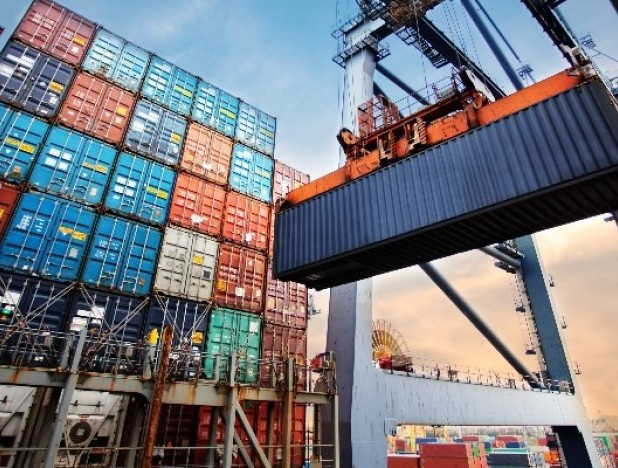 Booming exports in Covid-19 crisis let China stomach stronger RMB - THE EDGE SINGAPORE