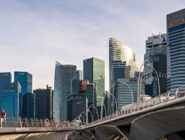 Singapore's bank lending slows for seventh month in September - THE EDGE SINGAPORE